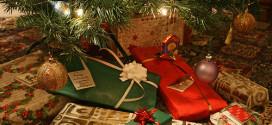 Jak ušetřit při nákupu vánočních dárků?