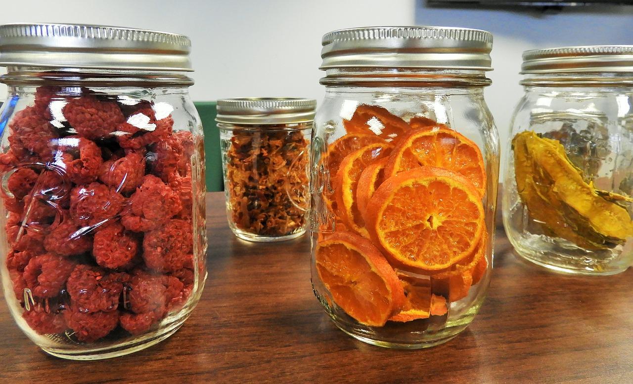 Sušičky ovoce – praktický pomocník nejedné domácnosti