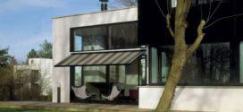 Markýza zastíní malé balkóny i velké terasy. A nezašpiní se