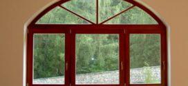Potřebuje chalupa dřevěná okna?